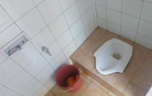 Sedot WC Tigaraksa